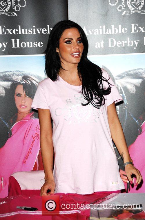 katie price aka jordan signing at the horse of year awards 2008 held in the nec 2119444