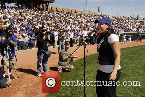 Jordin Sparks  performs the US National Anthem...