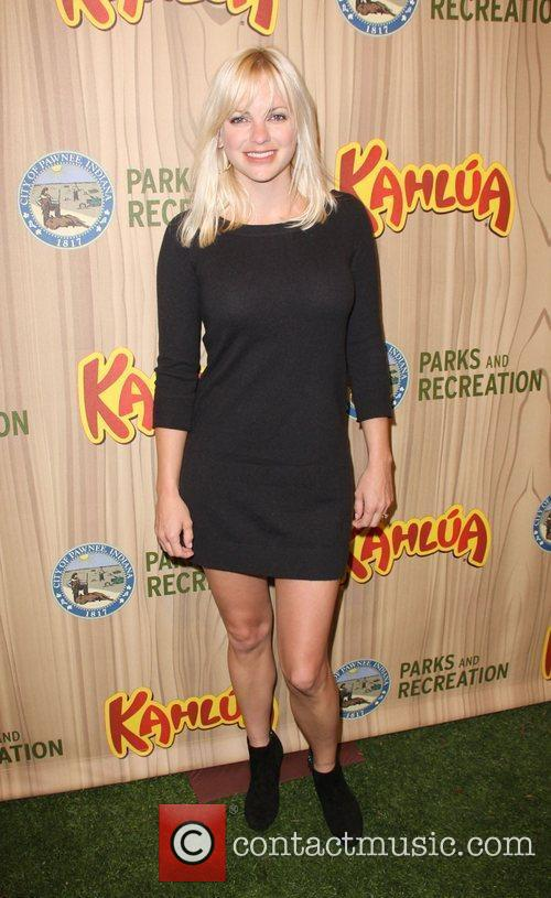 Anna Faris Kahlua Celebrates The Premiere Episode of...