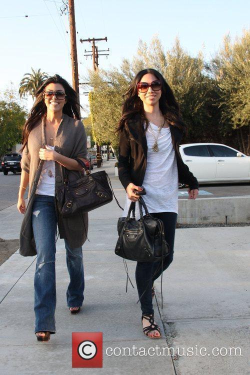 Kim Kardashian and sister Khloe Kardashian 10