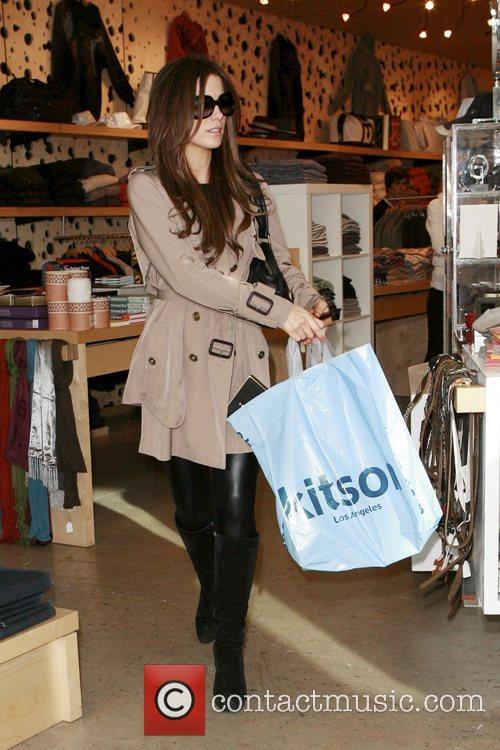 Kate Beckinsale  Christmas shopping on Robertson Boulevard...
