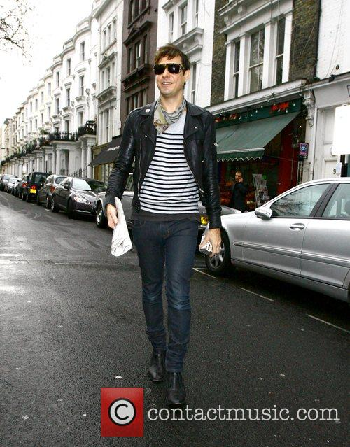 Jamie Hince walks to a Japanese restaurant to...