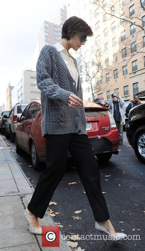 Katie Holmes leaving her Manhattan residence en route...