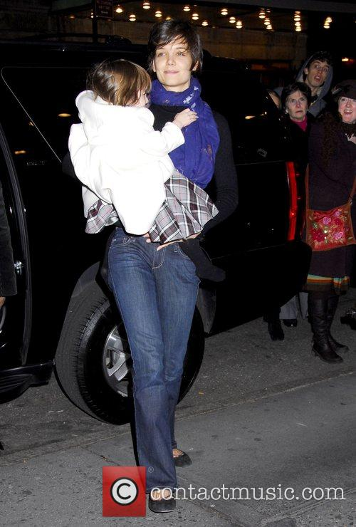 Katie Holmes arrives with Suri to her play...
