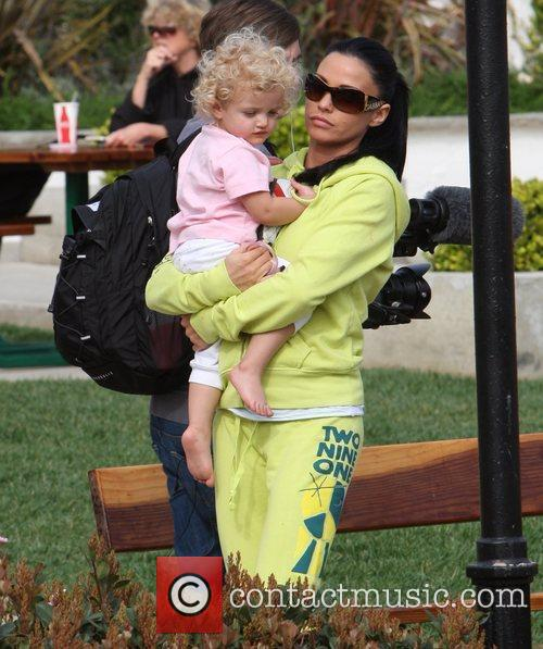 Katie Price and Princess Tiaamii have lunch at Tra di Noi 2