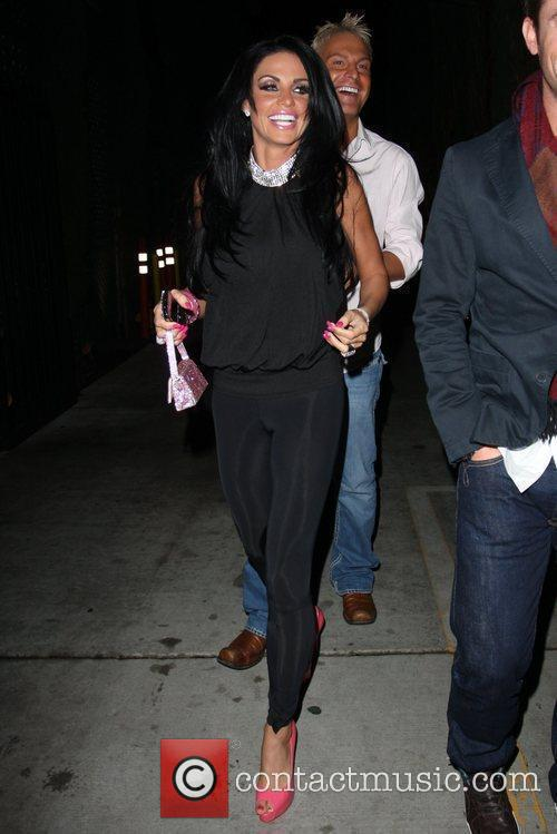 katie price aka jordan leaving nobu restaurant with friends in hollywood 2290509