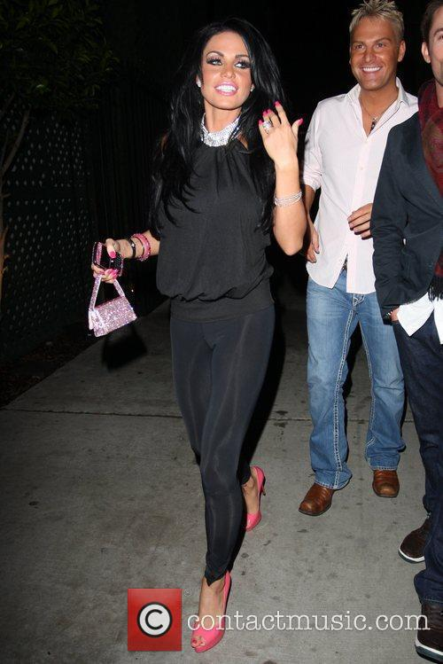 katie price aka jordan leaving nobu restaurant with friends in hollywood 2290520