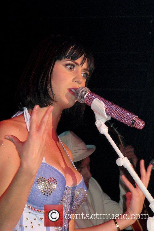 Katy Perry 27