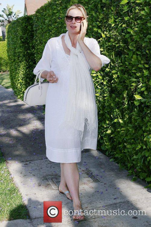 A Very Pregnant Kelly Rutherford Takes A Stroll In Beverly Hills 2
