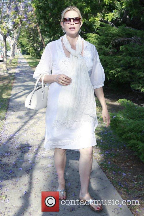 A Very Pregnant Kelly Rutherford Takes A Stroll In Beverly Hills 9