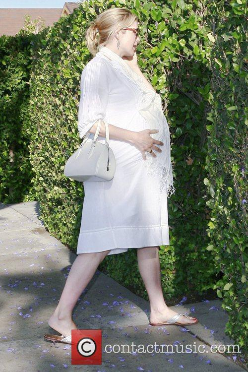 A Very Pregnant Kelly Rutherford Takes A Stroll In Beverly Hills 1