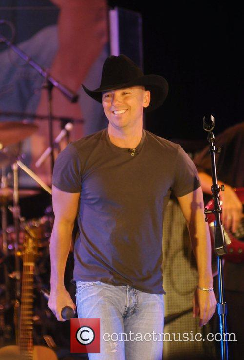 Kenny Chesney 15