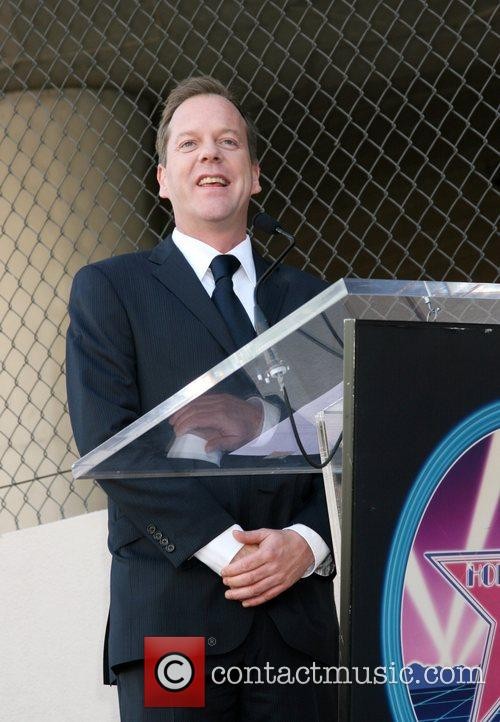 Kiefer Sutherland Kiefer Sutherland receives the 2,377th Star...