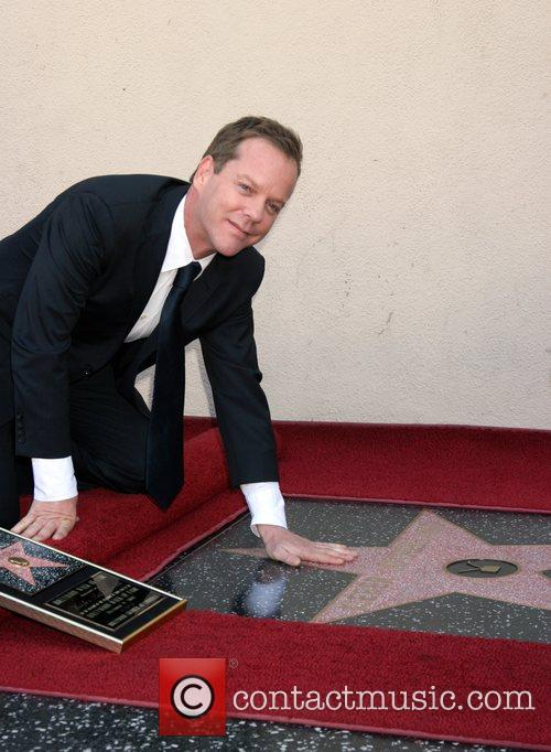 Kiefer Sutherland receives the 2,377th Star on the...