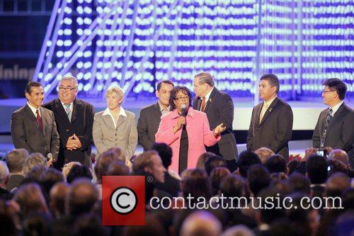 Mayor Antonio Villaraigosa and guests Britney Spears switching...