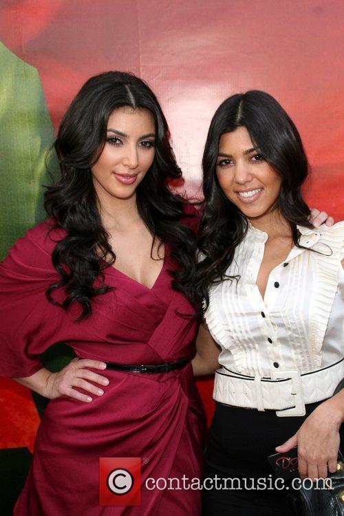 Kim Kardashian and Kourtney Kardashian 6