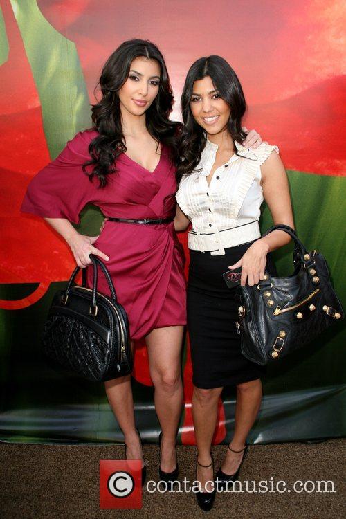 Kim Kardashian and Kourtney Kardashian 5