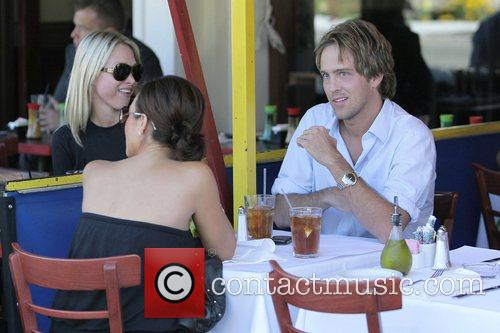 larry birkhead meets a female friend for lunch at la petite four in west hollywood 5211701