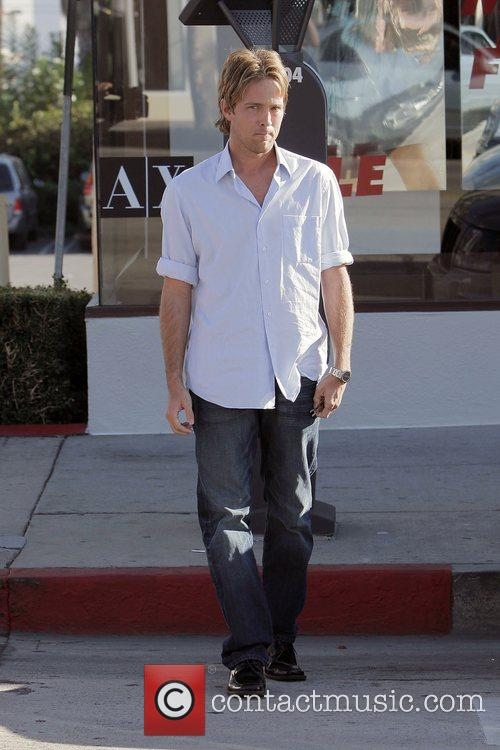 larry birkhead meets a female friend for lunch at la petite four in west hollywood 5211708