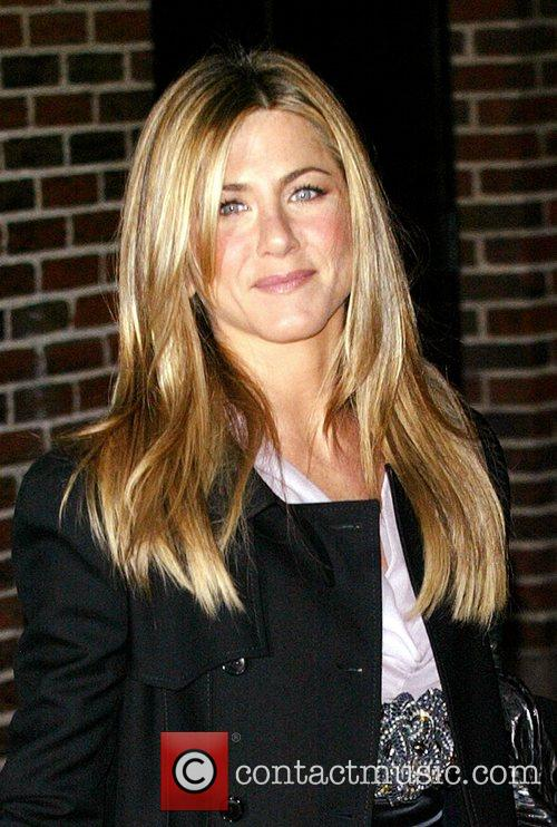 Jennifer Aniston and David Letterman 14