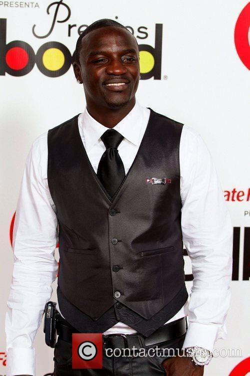 Akon and Billboard 4