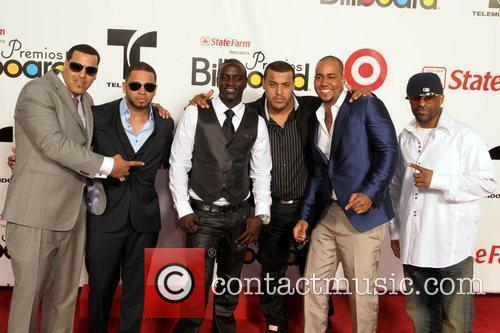 Aventura, Akon and Billboard 2