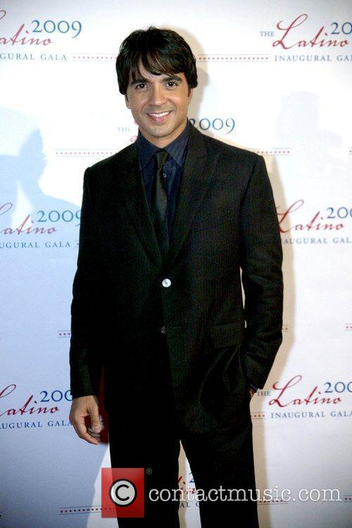 Luis Fonsi 2009 Latino Inaugural Gala at Union...