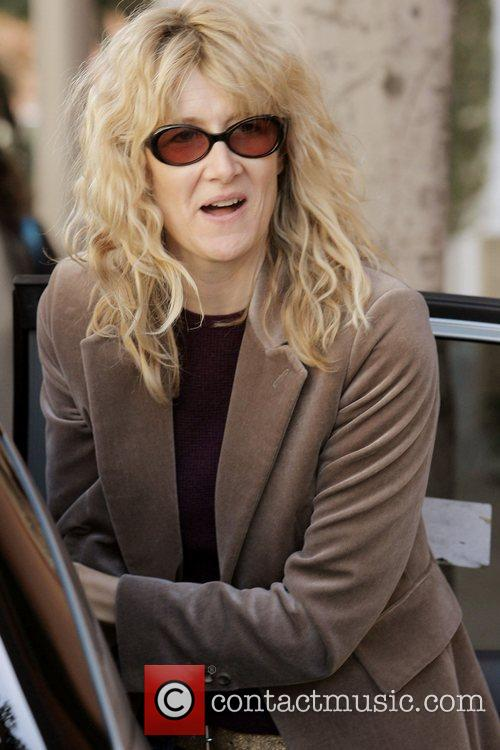 Laura Dern picks up her daughter from her...