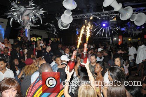Atmosphere LeBron James celebrates his birthday at Karu&Y...
