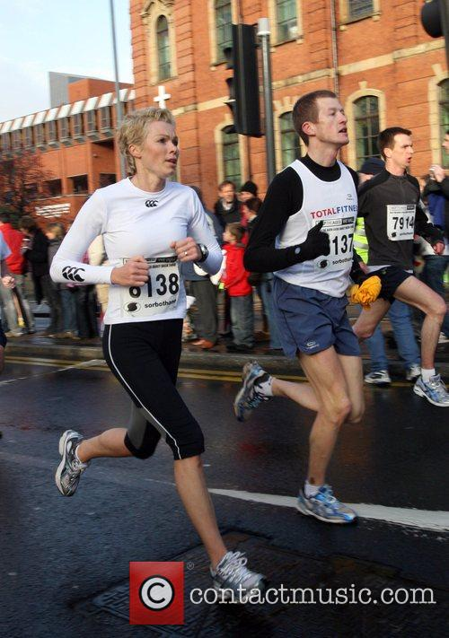 Nell McAndrew 10k Help the Aged Leeds Abbey...