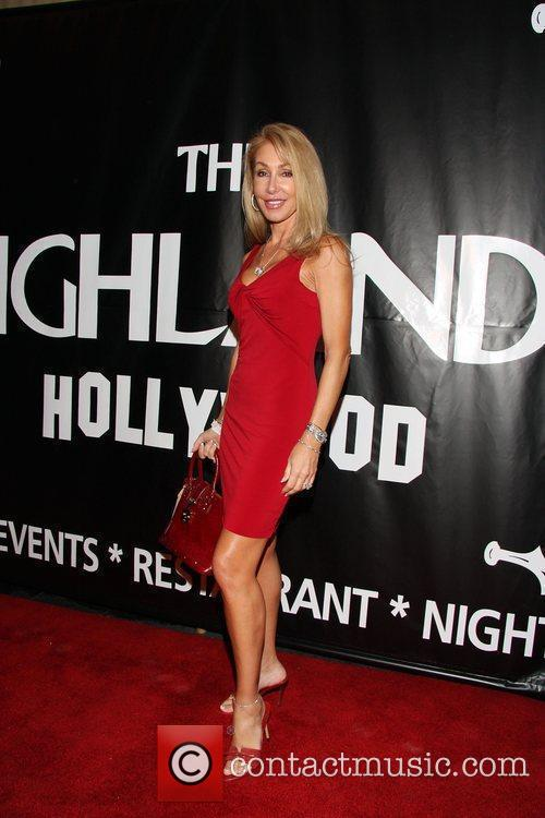 Linda Thompson The launch of Lengths for Love...