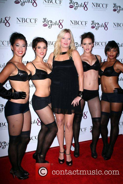 Melissa Peterman and Models Les Girls 8 to...