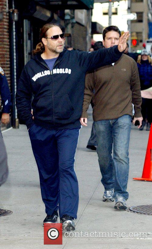 Russell Crowe and David Letterman 12