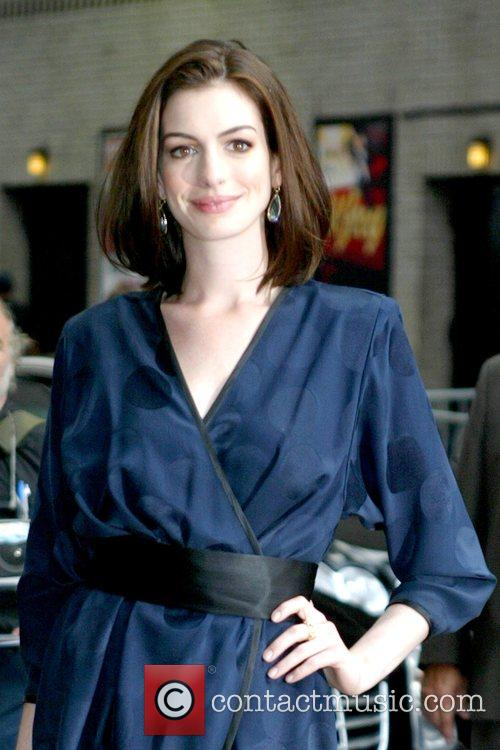 Anne Hathaway and David Letterman 9