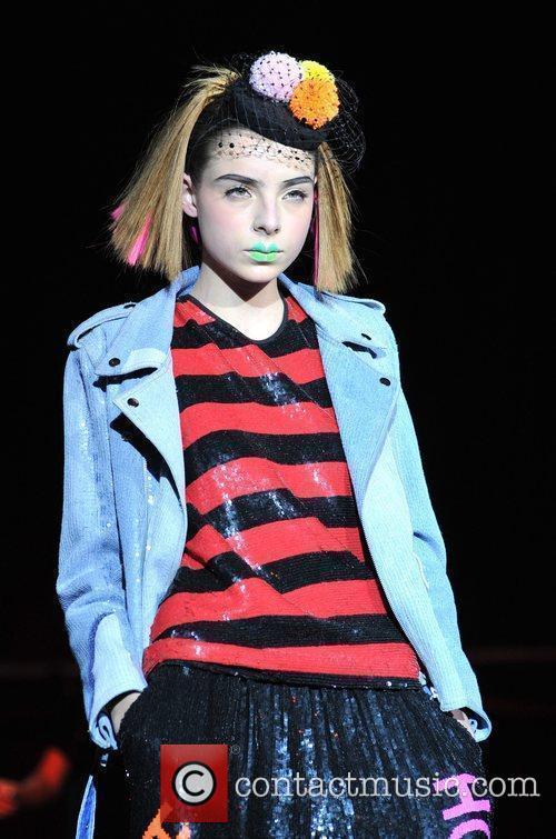 Model London Fashion Week Autumn/Winter 2009 - Ashish...