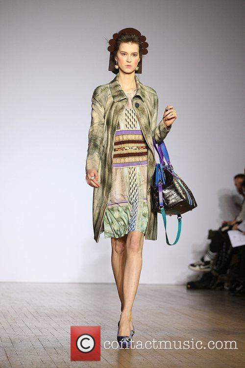Model London Fashion Week Autumn/Winter 2009 - Basso...
