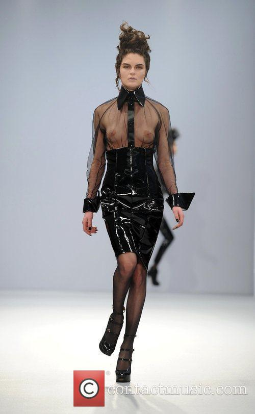 London Fashion Week off- schedule Autumn/Winter 2009 -...