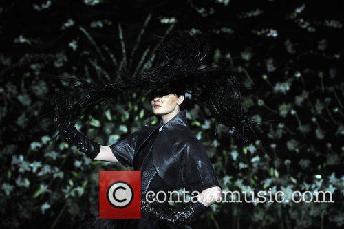 Erin O'Connor London Fashion Week Autumn/Winter 2009 -...