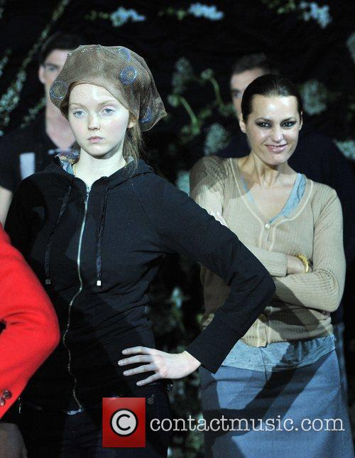 Yasmin Le Bon and Lily Cole 8