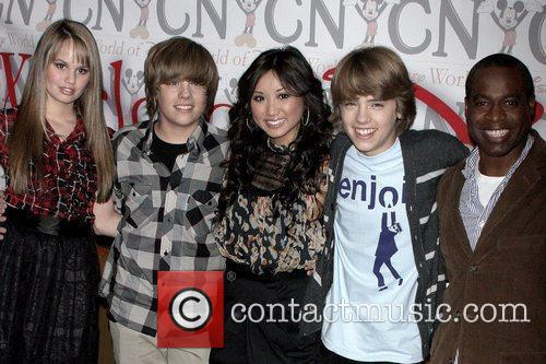 Debby Ryan, Dylan Sprouse, Brenda Song, Cole Sprouse...