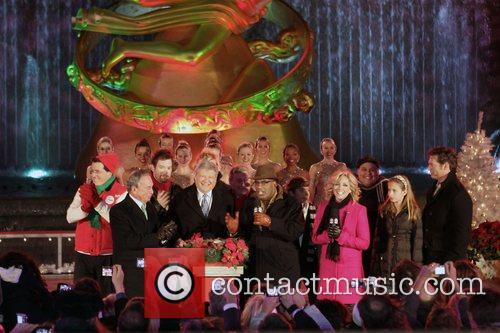 The Rockettes, Al Roker and Tony Bennett 2