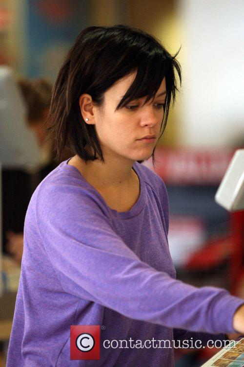 lily allen haircut. Lily Allen Gallery
