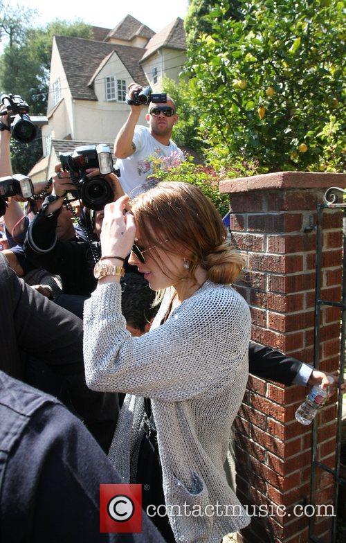 Lindsay Lohan leaves her girlfriend's house  Los...