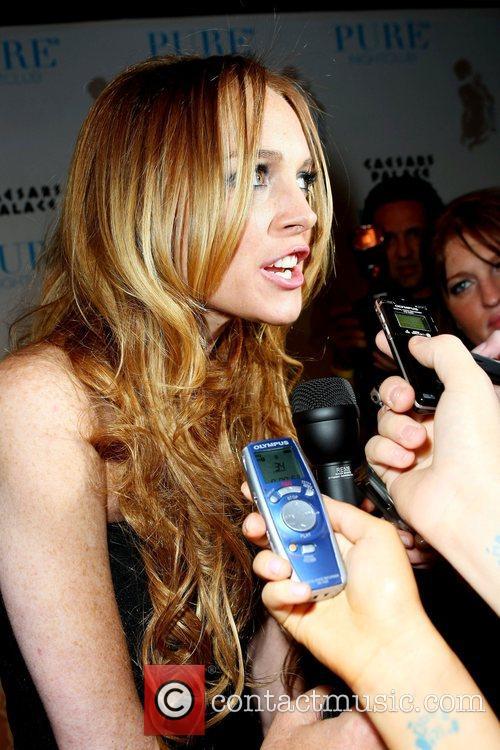 Lindsay Lohan Hosts and Lindsay Lohan 4
