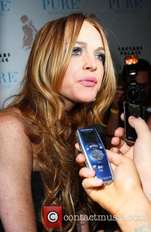 Lindsay Lohan Hosts and Lindsay Lohan 8