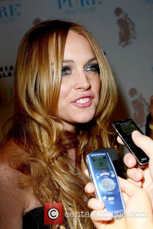 Lindsay Lohan Hosts and Lindsay Lohan 11