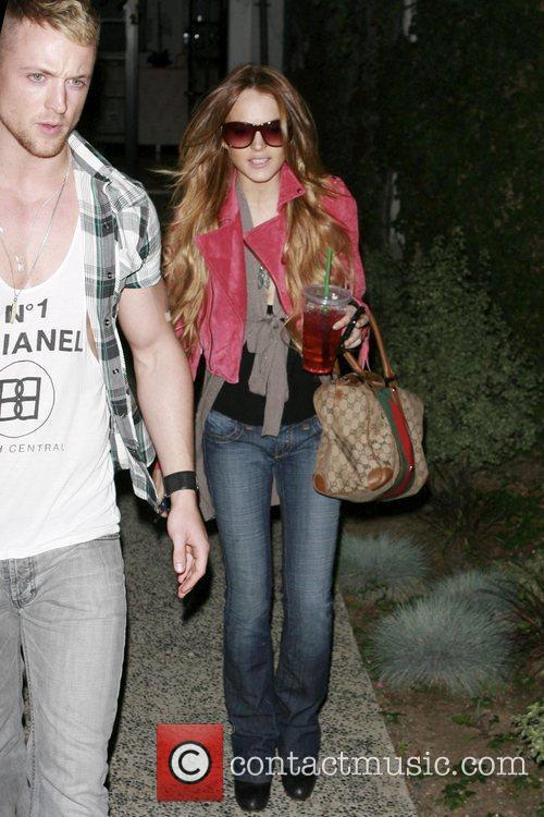 Lindsay Lohan leaving Andy Lecompte salon in a...