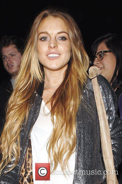 Lindsay Lohan arriving to the Genghis Cohen Restaurant...
