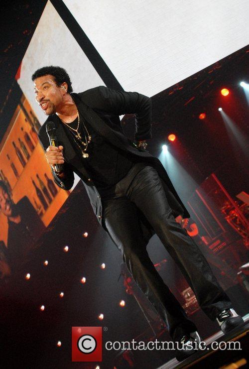 Lionel Richie, Cardiff International Arena