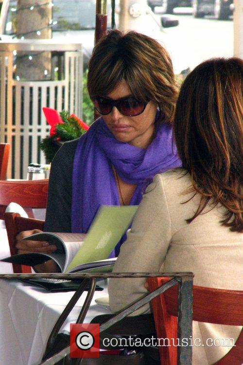 Lisa Rinna having lunch with a friend in...